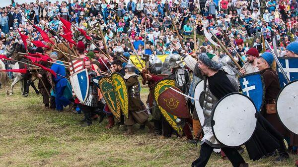 Военно-исторический фестиваль Великое стояние на реке Угре в Калужской области