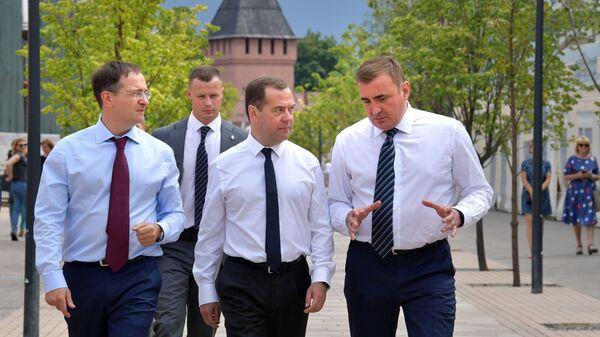 Председатель правительства РФ Дмитрий Медведев во время посещения Тульского кремля. 16 июля 2019