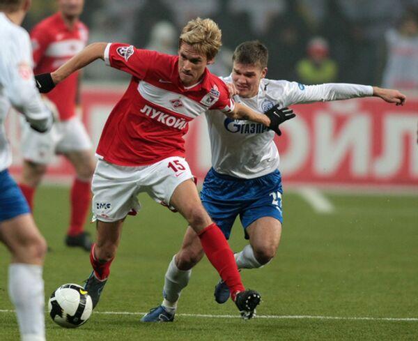 Радослав Ковач (14) и Игорь Денисов (27)