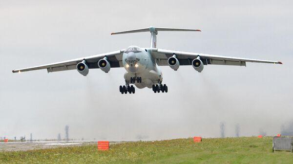 Самолет Ил-76. Архивное фото