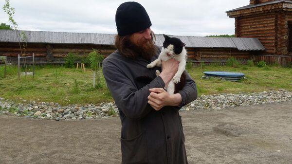 Отец Гурий и кот Матрос