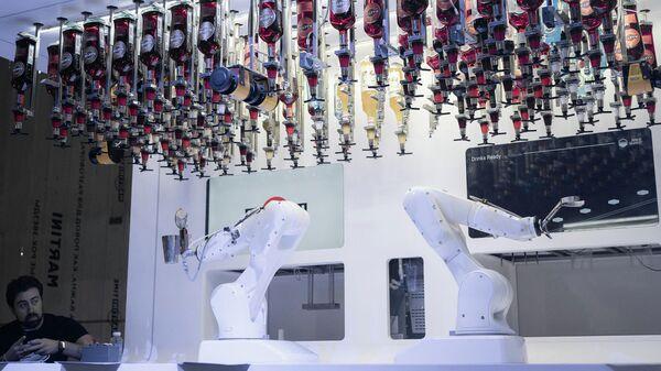 Бруно, робот-бармен