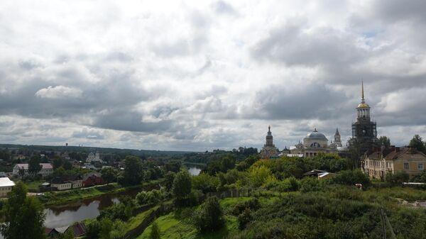 Борисоглебский монастырь г. Торжок и река Тверца