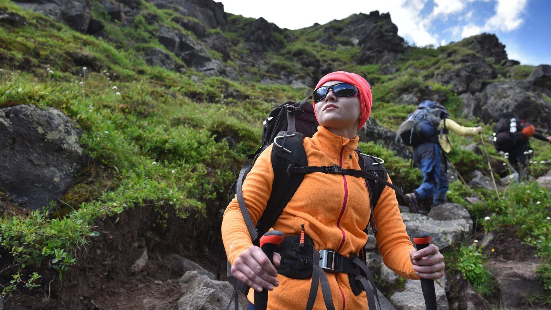 Альпинисты во время туристического похода из базового лагеря Джилы - Су в Кабардино-Балкарии - РИА Новости, 1920, 29.07.2019