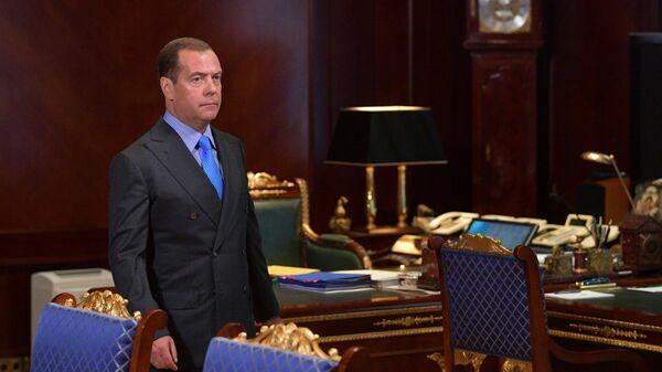 Председатель правительства РФ Дмитрий Медведев во время совещания с вице-премьерами РФ. 23 июля 2019