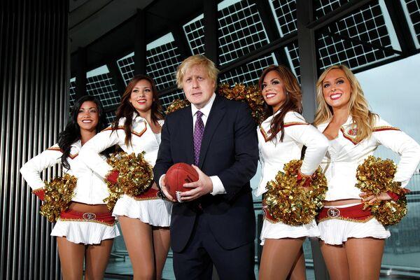 Мэр Лондона Борис Джонсон на матче по американскому футболу. 26 октября 2010 года