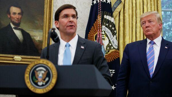 Новый министр обороны США Марк Эспер и президент США Дональд Трамп в Белом доме. 23 июля 2019