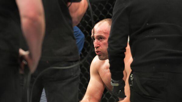 Россиянин Олейник проиграл нокаутом американцу Льюису на турнире UFC
