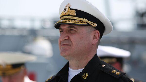 Командующий Черноморским флотом вице-адмирал Игорь Осипов