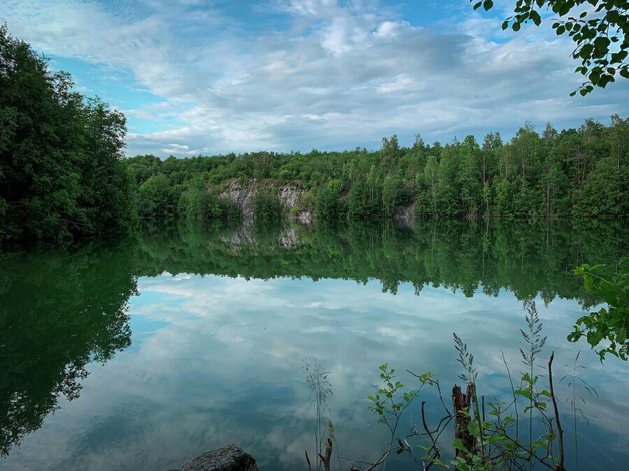 Карелия. Озеро, на берегу которого мы жили в палатках.