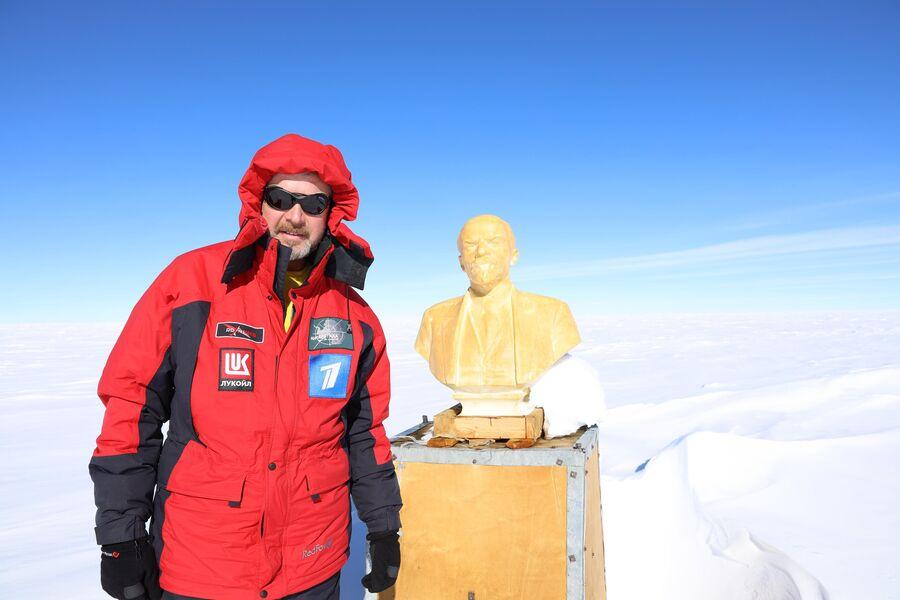 Антарктида. Валдис Пельш на Полюсе Недоступности
