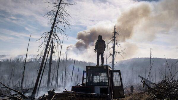 Пожарные десантники Авиалесоохраны в Сибири