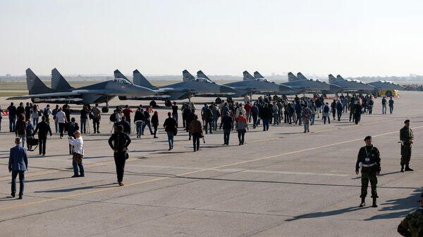 Главный военный аэропорт Батайница под Белградом в Сербии