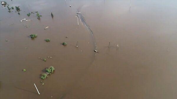 Затопленный участок автомобильной дороги