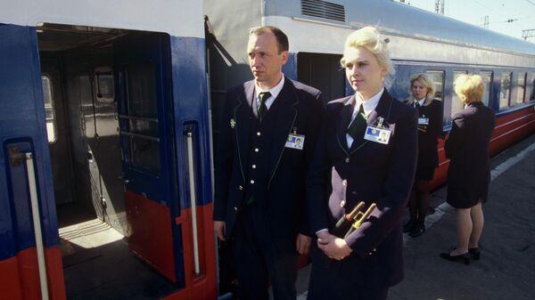 Проводники фирменного поезда Россия, следующего по маршруту Москва-Владивосток