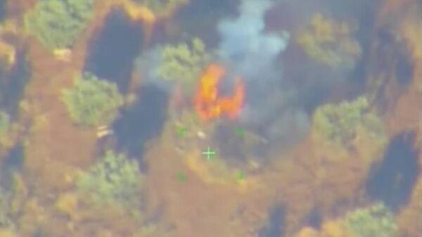 Российские военные сняли на видео уничтожение артиллерии боевиков в Сирии