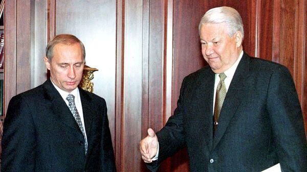 Президент России Борис Ельцин и премьер-министра Владимир Путин во время встречи в Кремле. 17 августа 1999 года