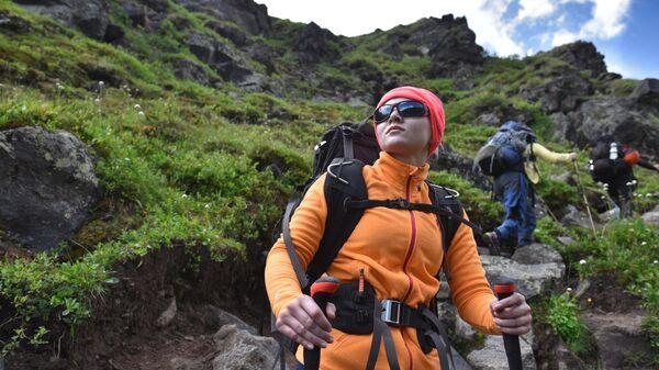Группа альпинистов на пути восхождения на Эльбрус