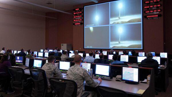 Испытательный запуск ракеты Minuteman III на авиабазе Ванденберг, Калифорния