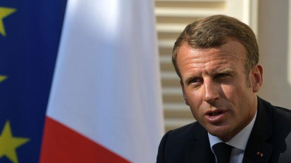 Президент Франции Эммануэль Макрон на встрече с президентом РФ Владимиром Путиным в резиденции президента Франции Форт Брегансон