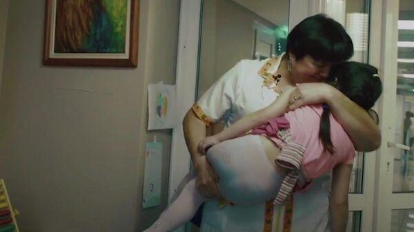 Сюжет ТОКа об уходе за больными детьми, от которых отказались мамы