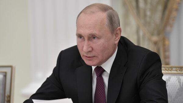 Президент РФ Владимир Путин проводит встречу с руководителями угледобывающих регионов