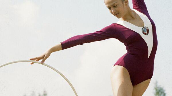 Гимнастка Ирина Дерюгина