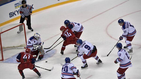 Президент РФ В. Путин и премьер-министр РФ Д. Медведев посетили открытие Кубка мира по хоккею среди молодежных команд