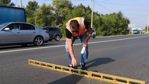 Черлакский тракт, отремонтированный в рамках нацпроекта Безопасные и качественные автомобильные дороги, в Омске