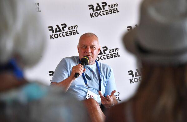 Основатель фестиваля Rap Koktebel, генеральный директор МИА Россия сегодня Дмитрий Киселев на пресс-конференции, посвященной открытию фестиваля Rap Koktebel – 2019 в Крыму
