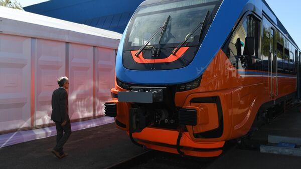 Рельсовый автобус РА-3 на международном железнодорожном салоне PRO//Движение.Экспо