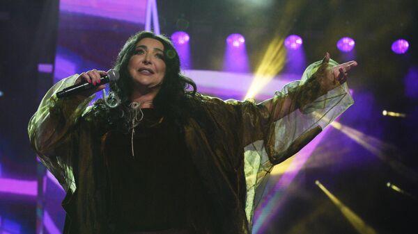 Певица Лолита