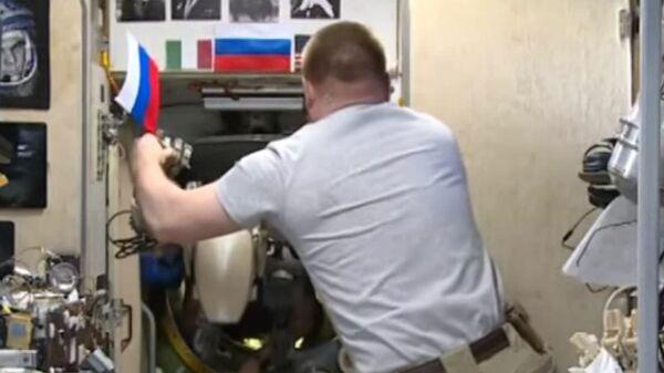 Опубликовано видео с роботом Федором на МКС