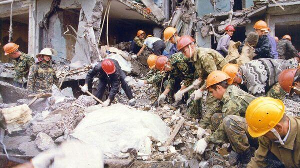Спасатели на месте взрыва жилого дома в Волгодонске