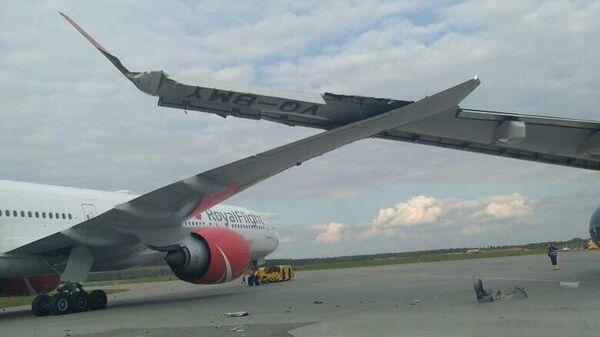 На месте столкновения самолетов в аэропорту Шереметьево. 3 сентября 2019