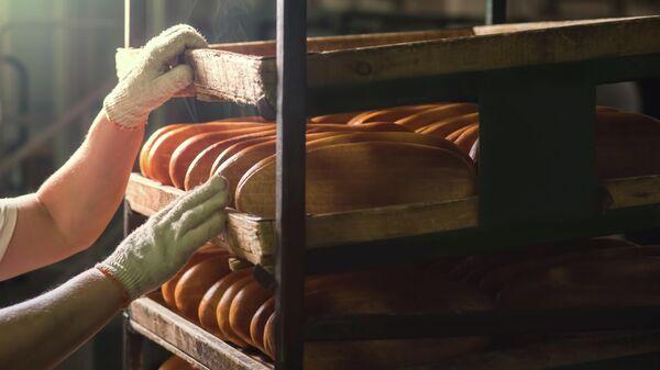 Свежеиспеченный хлеб