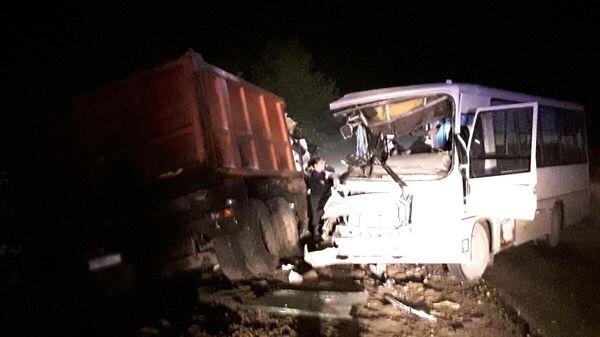 Столкновение автобуса с автомобилем дорожной службы в Палехском районе Ивановской области