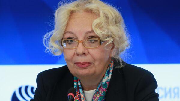 Татьяна Валовая во время пресс-конференции