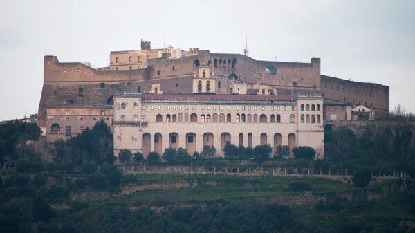 Крепость Кастель-дель-Ово в Неаполе