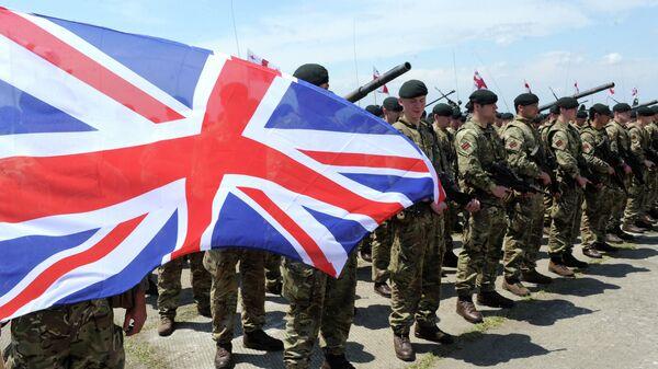 Британские военные во время учений