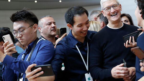 Тим Кук на презентации новинок компании Apple