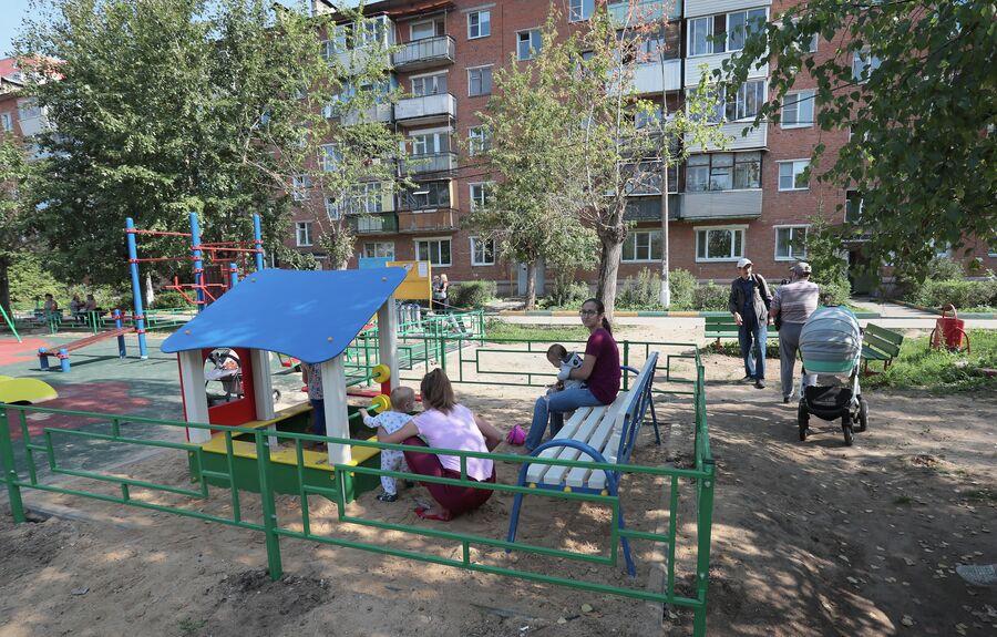 Детская площадка в Поселке глухих