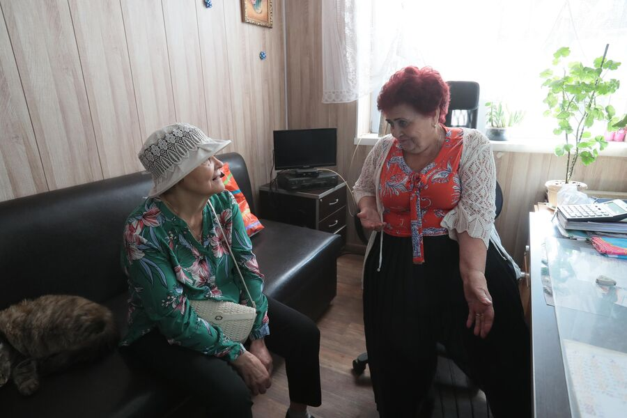 Татьяна Головчинер с местной жительницей