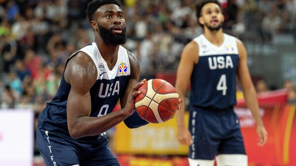 Баскетболисты сборной США во время матча Кубка мира