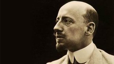 Итальянский писатель, поэт, драматург, военный и политический деятель Габриеле д'Аннунцио