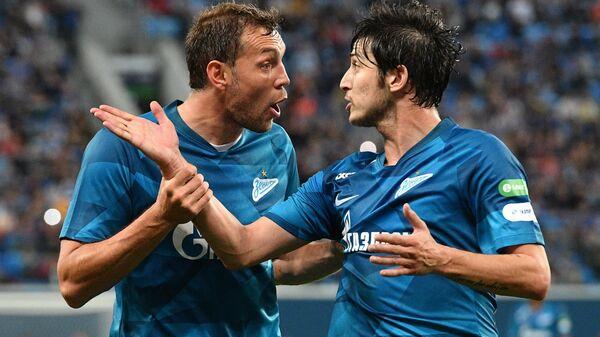 Дзюба похвалил Аршавина: он прибавляет в футболе, умничка