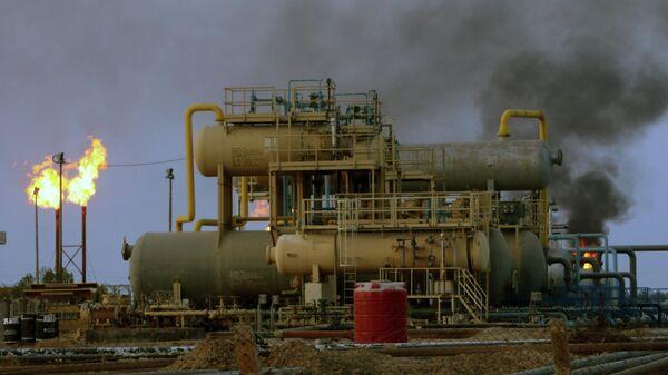 Пожар на нефтеперерабатывающем заводе в Саудовской Аравии