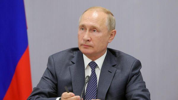 Президент РФ Владимир Путин проводит заседание военно-промышленной комиссии в Ижевске