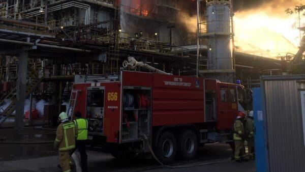 Пожарно-спасательные подразделения Ленинградской области принимают участие в ликвидации пожара в Киришском районе