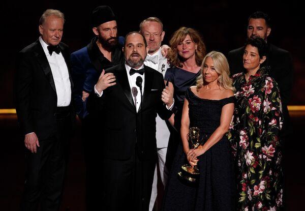 Съемочная группа сериала Чернобыль на церемонии вручения премии Эмми в Лос-Анджелесе